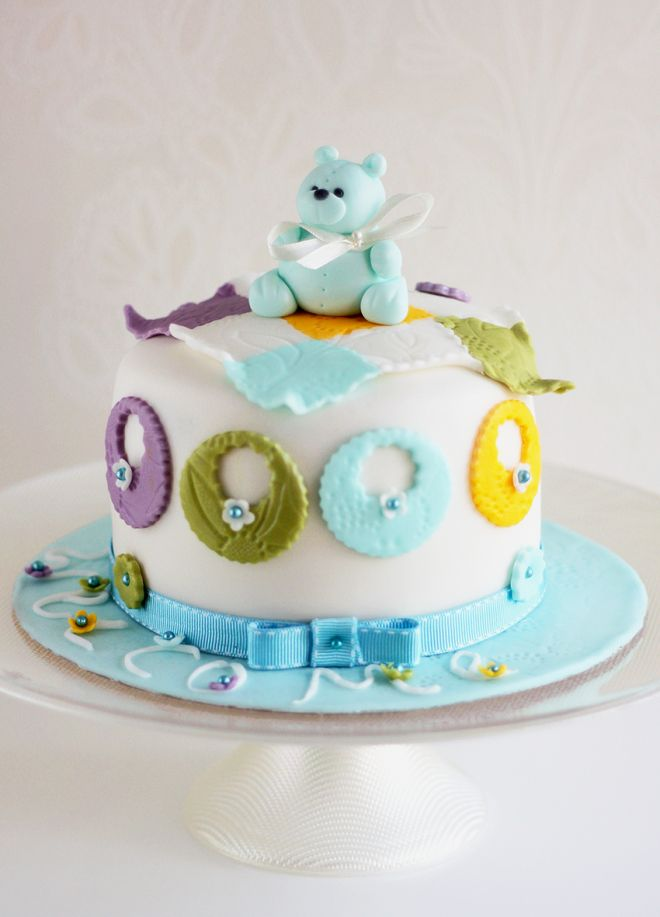 Торта за новородено с мече teddy bear