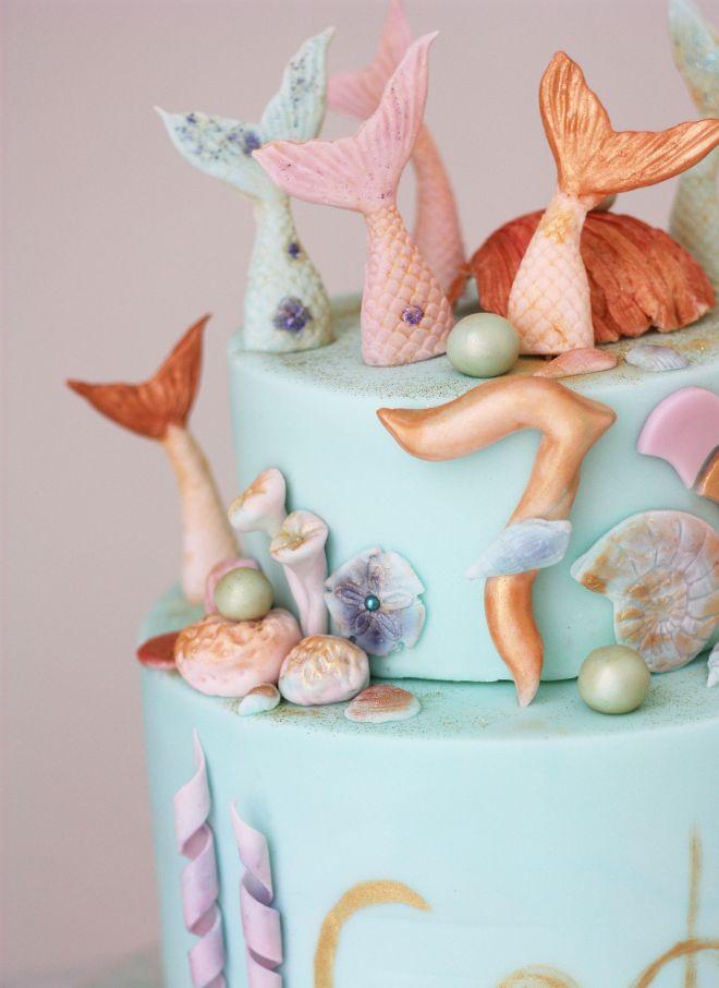Морска Торта за детски рожден ден в синьо с русалки
