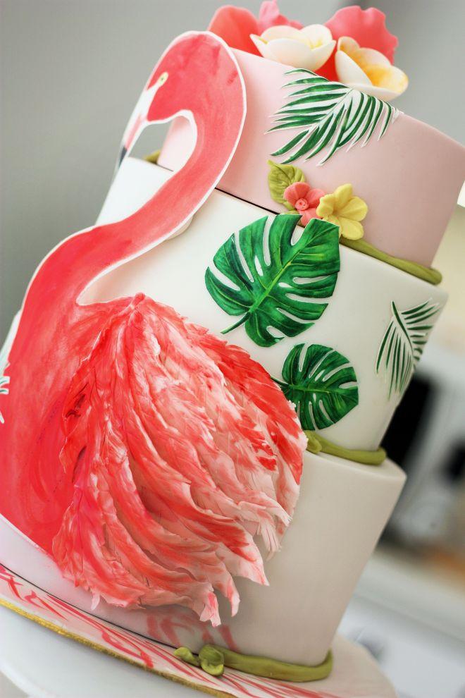 Торта за детски рожден ден с фламинго и палмови листа
