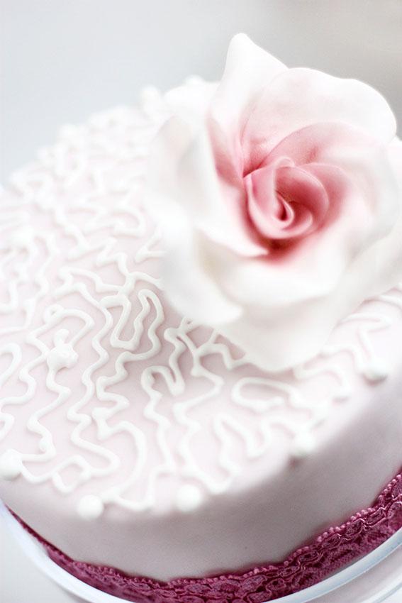 Торта с роза