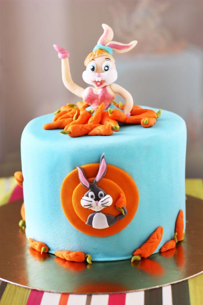 Торта за рожден ден със зайчето бъни