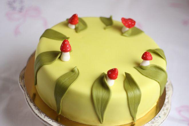 Торта с гъбки и листа