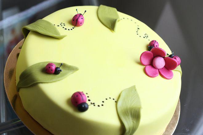 Торта с калинки и листа