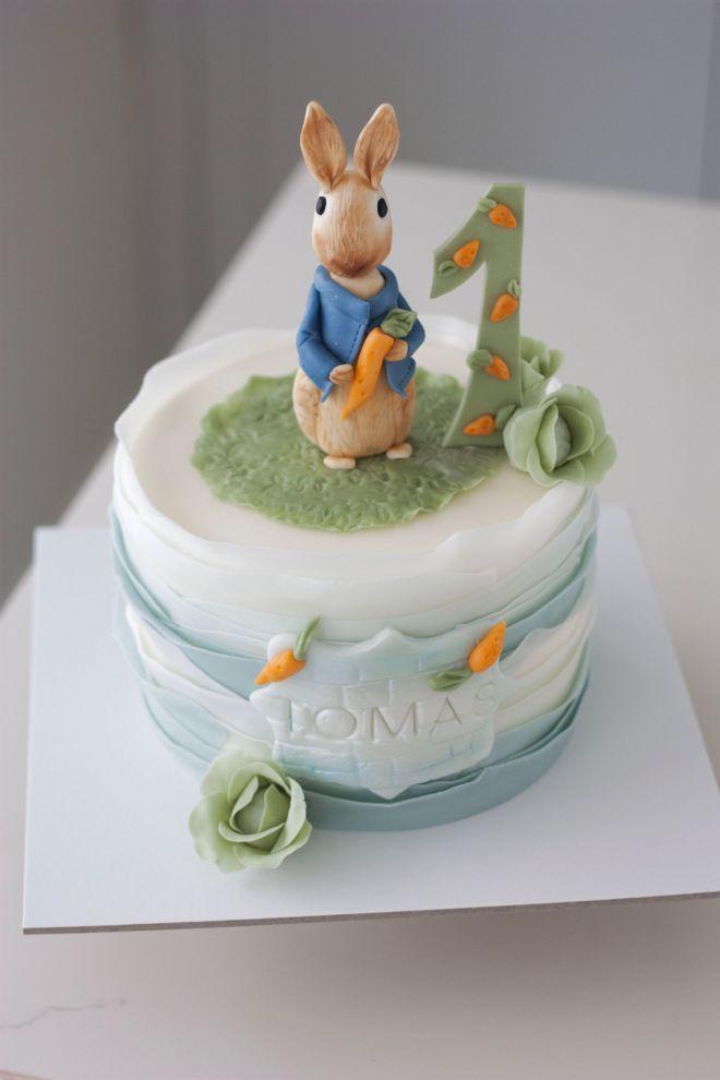Детска торта с фигурка Зайчето Питър