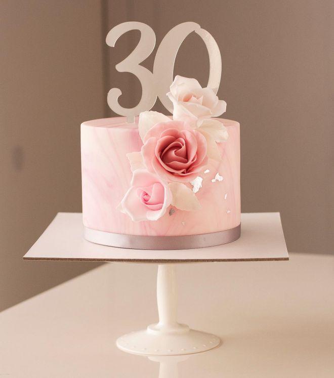 Торта за годишнина с рози