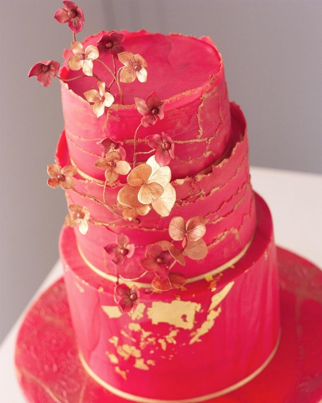 Торта за годишнина в червено и златно