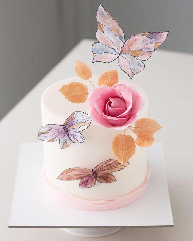 Торта с Цветя и пеперуди